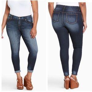 NWT Torrid Bombshell Skinny Jeans Sz 24R ::GG7